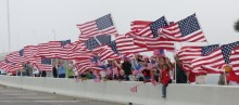 The proper welcome wounded veterans usually see. Image via warriorbeachretreat.org.